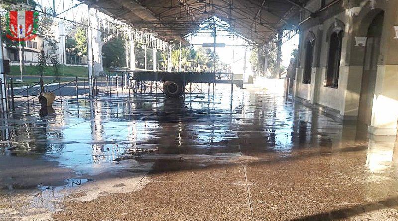 Servidores do Saep executam, semanalmente, a limpeza da estação da Fepasa