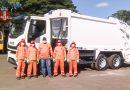 Prefeitura adquire caminhão coletor de lixo; veículo estará nas ruas nos próximos dias