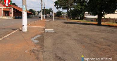Prefeitura pavimenta trecho da Duque utilizado para Feira Livre